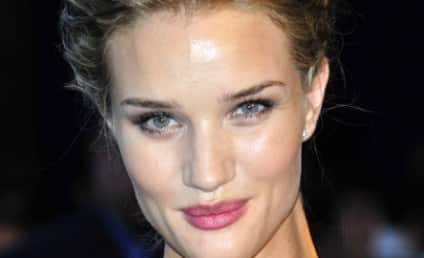 Rosie Huntington-Whiteley Topless Photos: Attractive