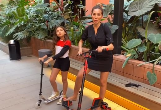 Farrah Abraham and Sophia Abraham, Scooter Giveaway