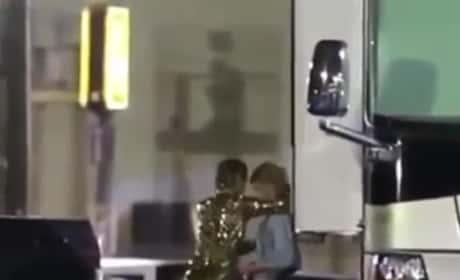 Stella Maxwell: See Her Kiss Miley Cyrus!
