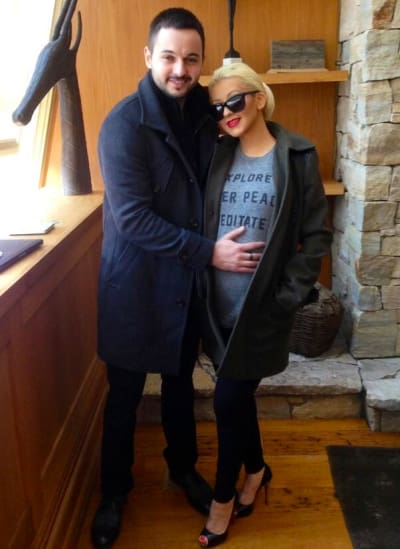Christina Aguilera Baby Bump Photo