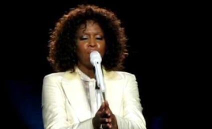 Whitney Houston Humiliates Herself in Concert