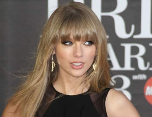 Taylor Swift Brit Awards Pic