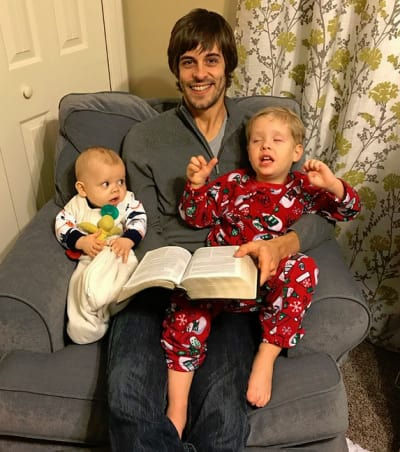 Derick Dillard Reads to his Sons