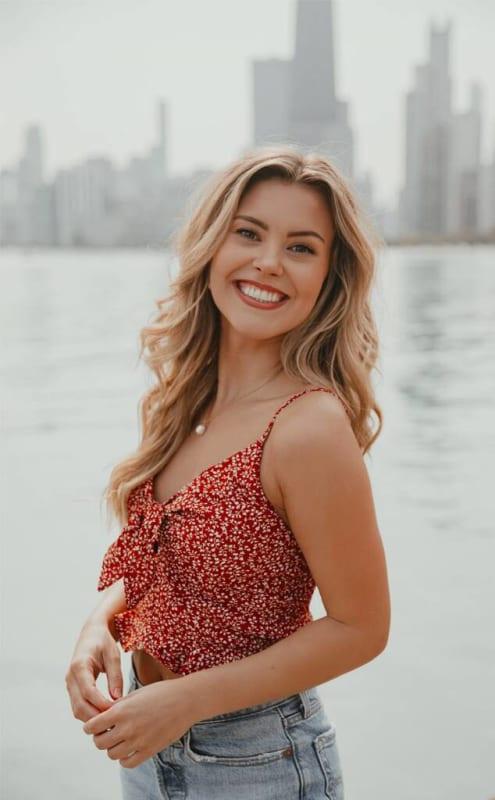 Anna, 24