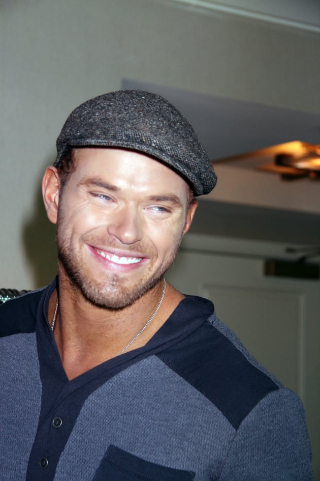 Kellan lutz confirms dating miley cyrus