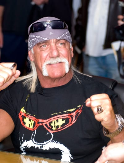 Hulk Hogan at Autograph Signing