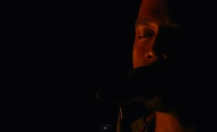 """Kanye West Goes Dark, Performs """"Blood on the Leaves"""" at MTV Video Music Awards"""