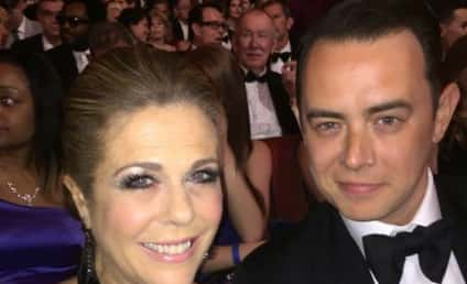 Rita Wilson Rocks Red Carpet After Breast Cancer Treatment