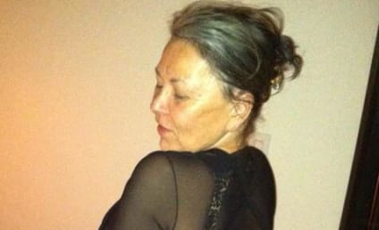 Roseanne Poses for Butt Selfie, Tries to Seduce Kanye West Again