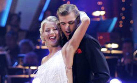 Julianne Hough, Cody Linley Dancing