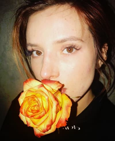 Bella Thorne, Kissing a Rose
