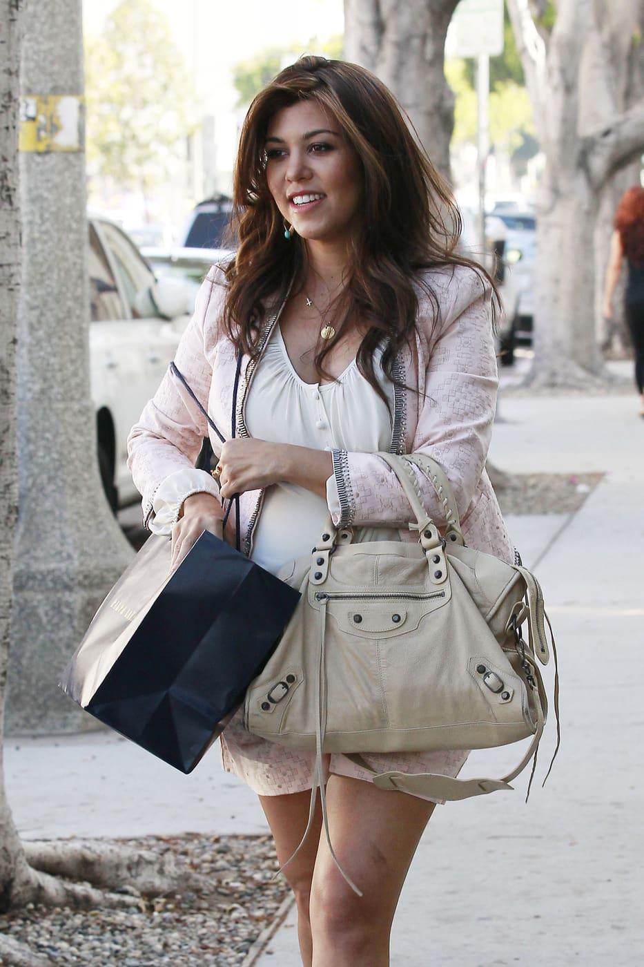 Kourtney Kardashian Explains Pregnant Hair Dyeing Its Safe The