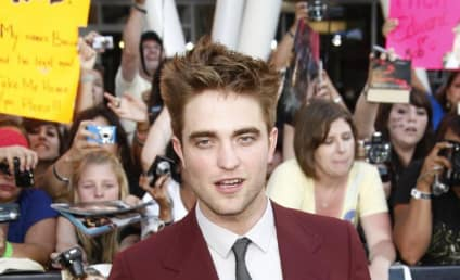 Eclipse Premiere Face-Off: Robert Pattinson vs. Taylor Lautner