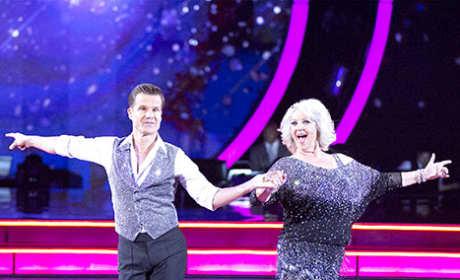 Paula Deen Dances
