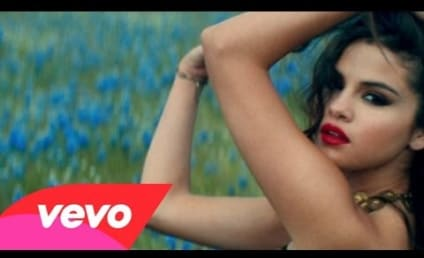 """Selena Gomez Unveils Full Music Video for """"Come & Get It"""""""