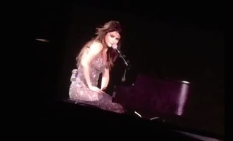 Selena Gomez Breaks Down in Concert Over Christina Grimmie