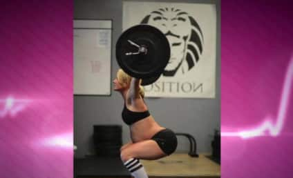 Pregnant CrossFit Mom Posts Weightlifting Pics to Facebook, Gets Totally Hated On