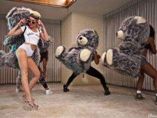 Miley Cyrus and Animals
