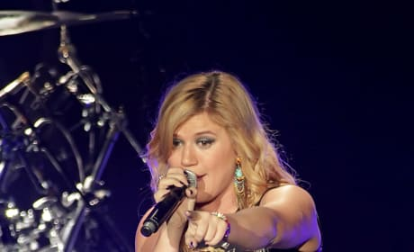 Kelly Clarkson in England