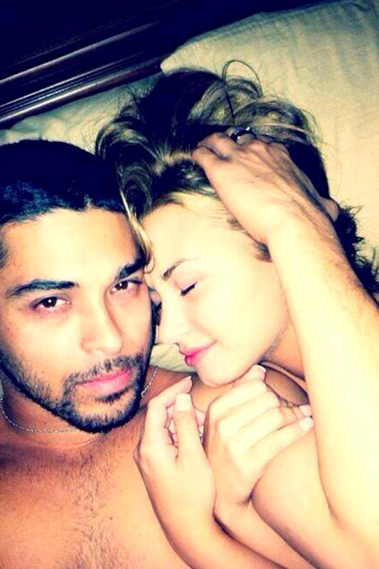 Wilmer Valderrama and Demi Lovato Selfie