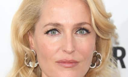 Gillian Anderson: Topless For Fish Love!