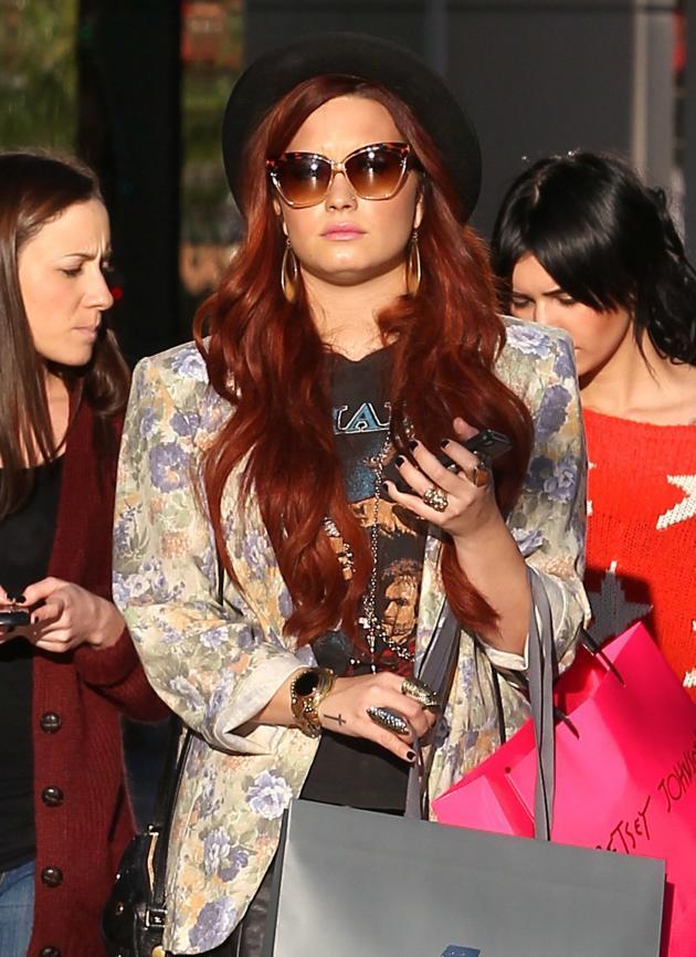 Demi Lovato Shopping