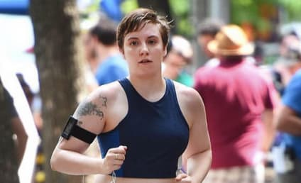 Lena Dunham: Inspires Body Confidence with Running Pic