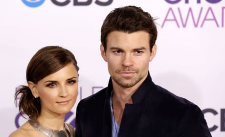 Daniel Gillies and Rachael Leigh Cook Pic