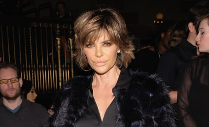 Lisa Rinna: Nude on Instagram!