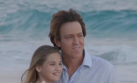 Dannielynn and Larry Birkhead Pose on the Beach