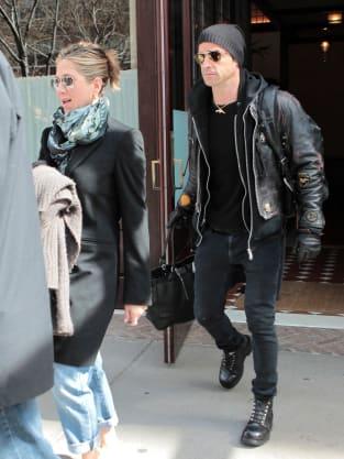 Jennifer Aniston and Justin Theroux Pic
