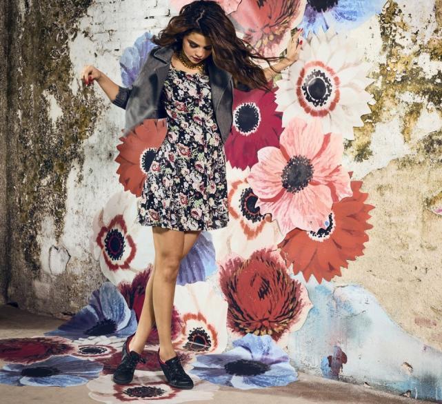 Selena Gomez adidas Neo pretty