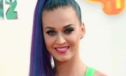 Katy Perry Rocks Slime Sports Bra at Kids' Choice Awards