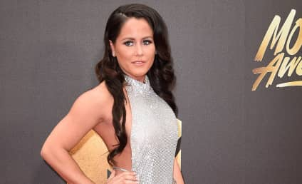 Jenelle Evans: Baby Bump SPOTTED?!