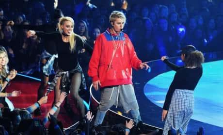 Justin Bieber Debuts Dreadlocks at iHeartRadio Music Awards