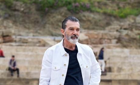 Antonio Banderas in Jeans