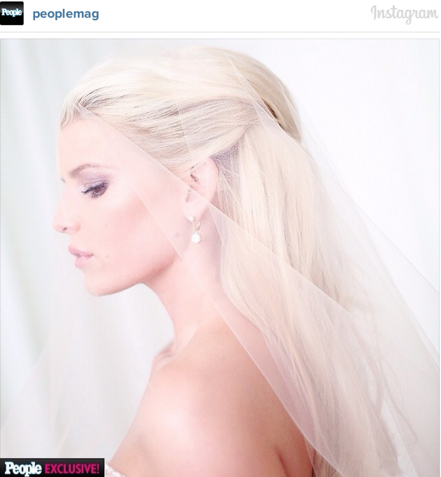 Jessica Simpson Wedding Dress Pic