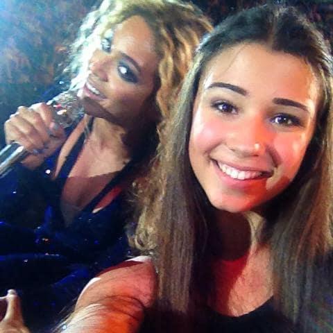 Beyonce Photo Bomb