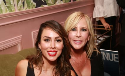Kelly Dodd: Vicki Gunvalson is a Backstabbing B-TCH!