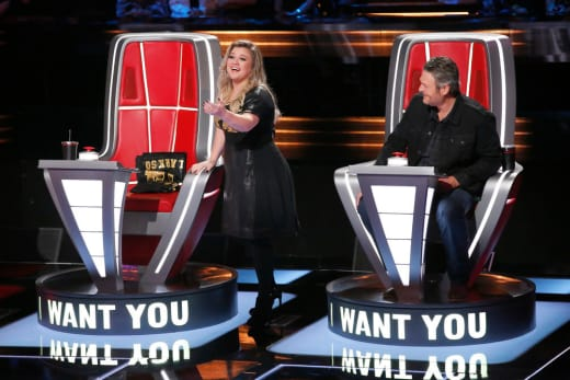 Kelly Clarkson, Blake Shelton on The Voice