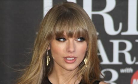 Taylor Swift Brit Awards Pic