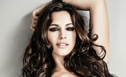Husband Drools Online Over Kelly Brook, Gets the Boot from Wife