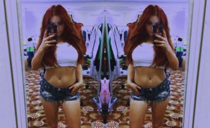 Ariel Winter Shows Off Curves in Racy Selfie, Internet Loses Its Mind