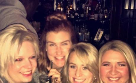 Leah Messer Bar Selfie