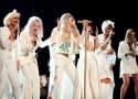 """Kesha Dominates Grammys with """"Praying"""" Performance"""