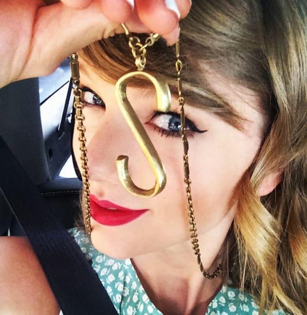 Taylor Swift Hearts Selena