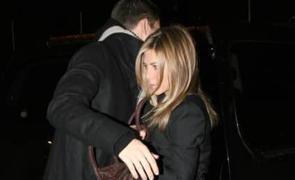 Jennifer Aniston Dishes on Career, Possibly Gay Ex-Boyfriends