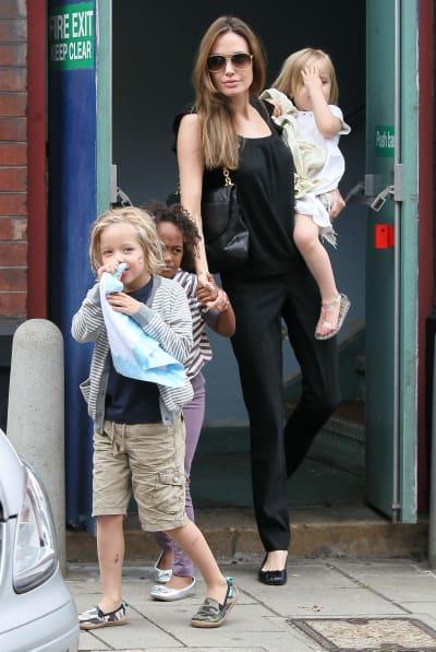 Angelina Jolie, Children