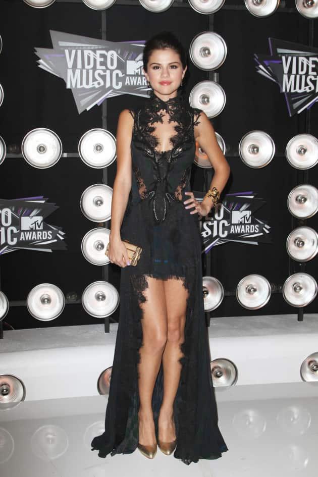 Selena Gomez VMA Outfit