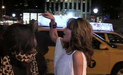 "Sarah Palin to SNL Hecklers: ""Get a Job!"" [Video]"